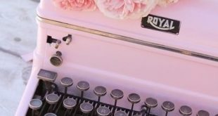 Vintage Typewriter Makeover I have a favorite antique shop. Iu2019m telling you...